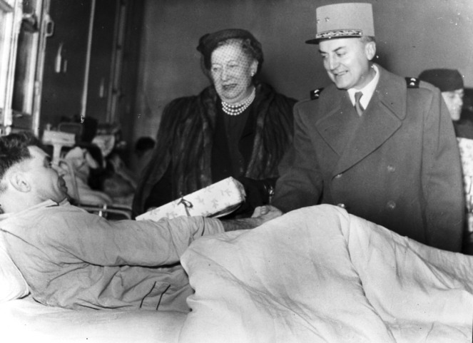 [Mrs. Alfred M. Gruenther at Val de Grace Hospital]