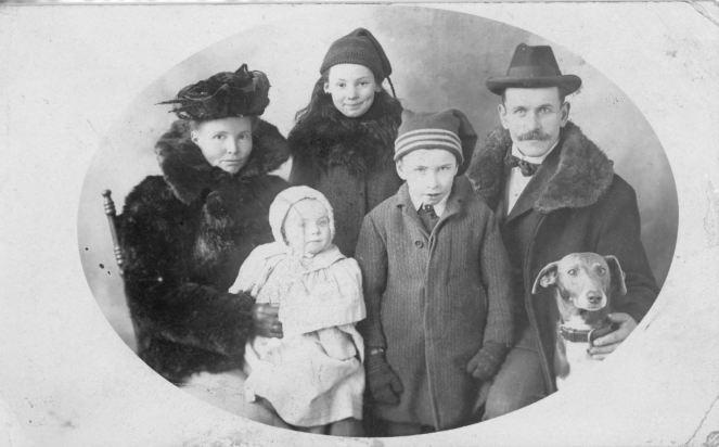 Smith Gibson Family 1907